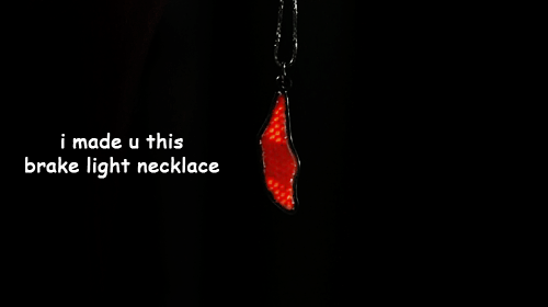 brake-light-neckalce-twd