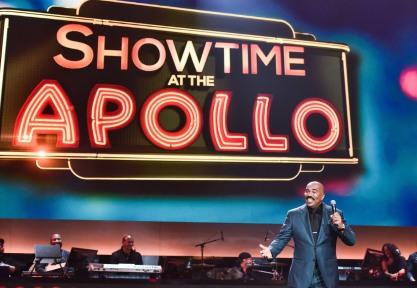 SHOWTIME AT THE APOLLO: Steve Harvey hosts SHOWTIME AT THE APOLLO airing Monday, Dec. 5 (8:00-10:00 PM ET/PT) on FOX. CR: Anthony Behar/Fox