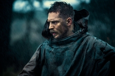 "TABOO -- ""Episode 1"" (Airs Tuesday, January 10, 10:00 pm/ep) -- Pictured: Tom Hardy as James Keziah Delaney. CR: Robert Viglasky/FX"