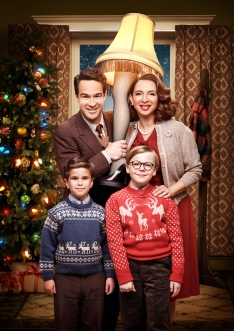 Clockwise from top: Chris Diamantopoulos, Maya Rudolph, Andy Walken and Tyler Wladis in FOXÕs live musical event, A CHRISTMAS STORY LIVE!, airing Sunday, Dec. 17 (7:00-10:00 PM ET live/PT tape-delayed) on FOX. CR: TOMMY GARCIA / FOX
