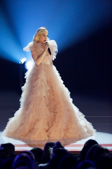 GWEN STEFANI: YOU MAKE IT FEEL LIKE CHRISTMAS -- Pictured: Gwen Stefani -- (Photo by Paul Drinkwater/NBC)
