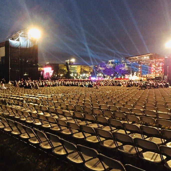 white house christmas tree lighting crowd.jpg