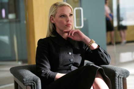 """SUITS -- """"Right-Hand Man"""" Episode 801 -- Pictured: Katherine Heigl as Samantha Wheeler -- (Photo by: Ian Watson/USA Network)"""