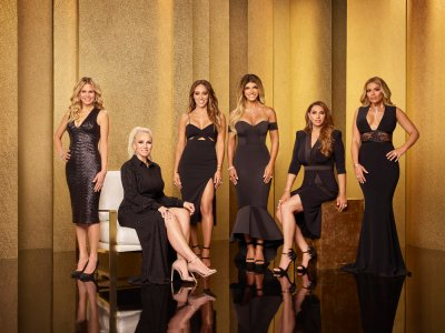 THE REAL HOUSEWIVES OF NEW JERSEY -- Season:9 -- Pictured: (l-r) Jackie Goldschneider, Margaret Josephs, Melissa Gorga, Teresa Giudice, Jennifer Aydin, Dolores Catania -- (Photo by: Tommy Garcia/Bravo)